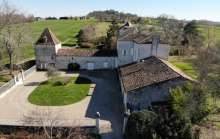 CHARACTER STONE PROPERTY FOR SALE IN THE LOT ET GARONNE - 10 BEDROOM(S) - 0.70 Ha OF LAND